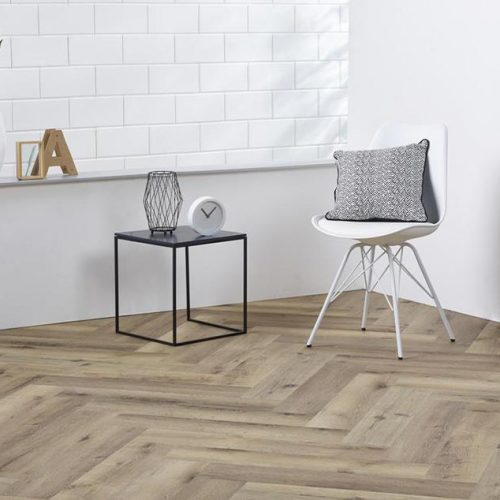 Ambiant Spigato Visgraat PVC vloer – 2504 – Dark Oak [Dryback PVC] – INCLUSIEF EGALISEREN EN LEGGEN