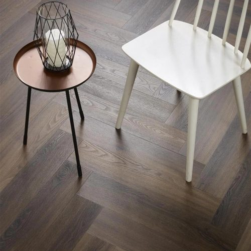Ambiant Spigato Visgraat PVC vloer – 3501 – Warm brown [Dryback PVC] – INCLUSIEF EGALISEREN EN LEGGEN